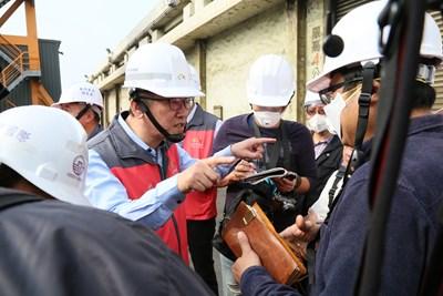 中市府輔導訪視台中港區碼頭裝卸作業 盼提升勞工權益