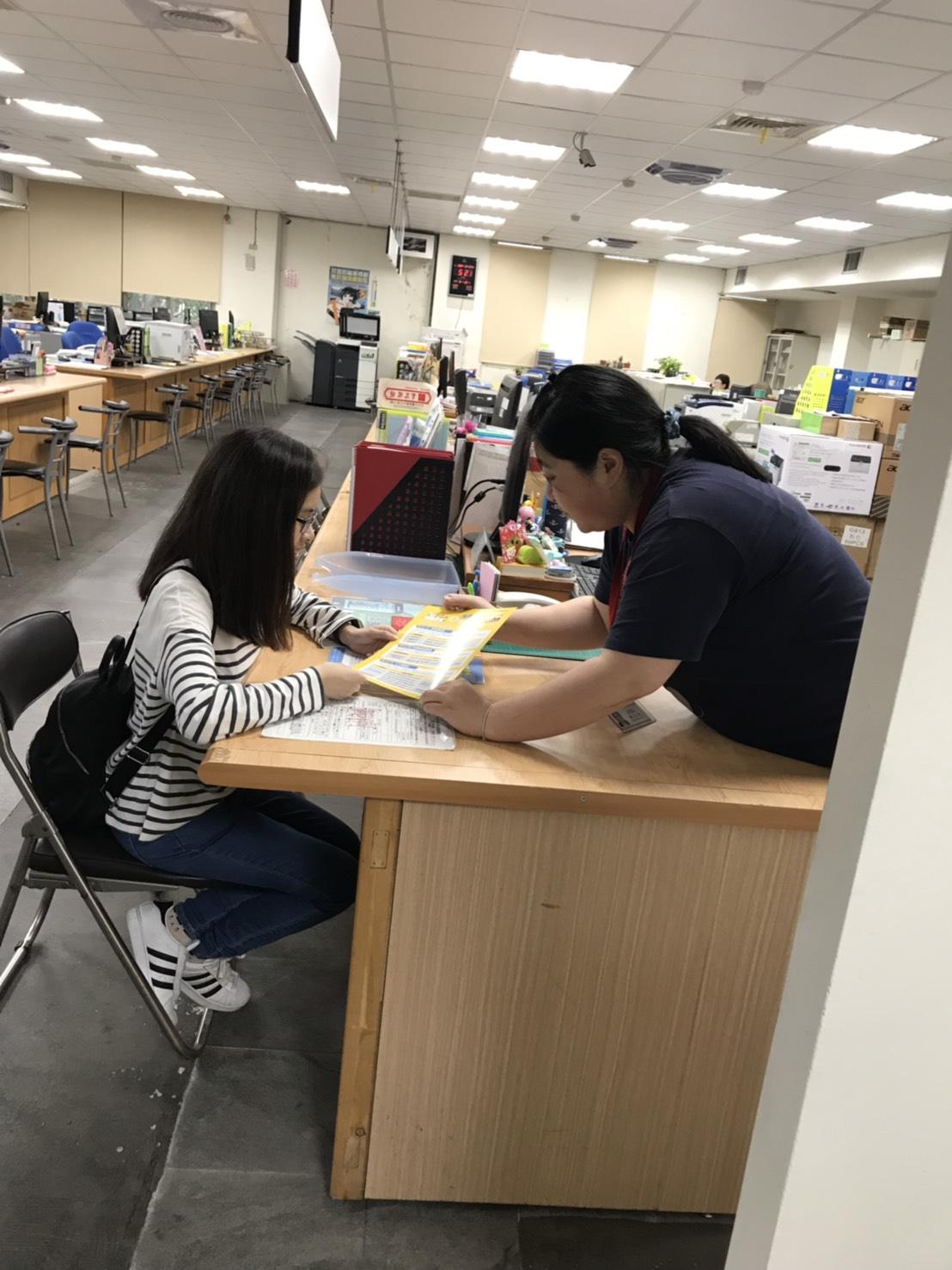 中市勞工局擬定求職者就業計畫 助聽障女孩圓夢
